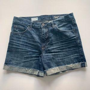 GAP sexy boyfriend jean cut off shorts, size 25